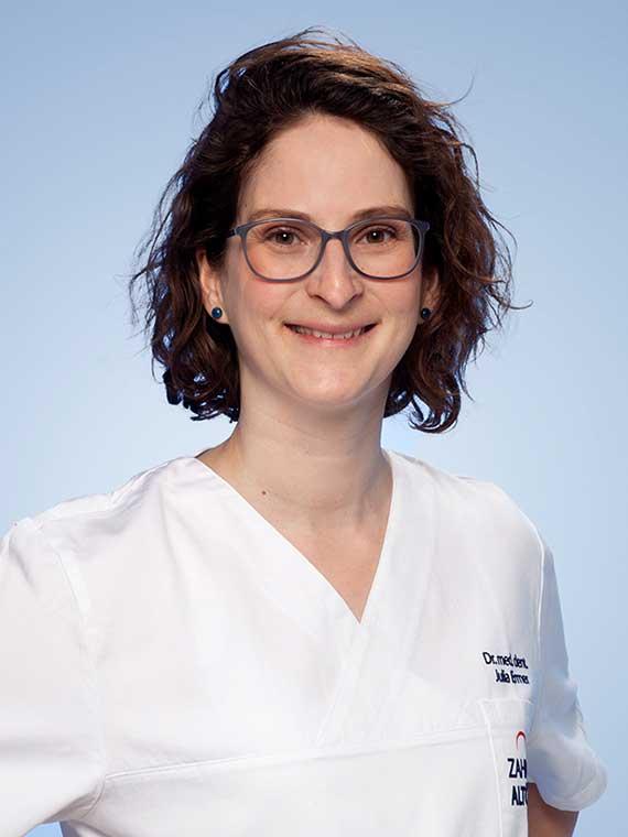Dr. med. dent. Julia Ermer, Zahnärztin